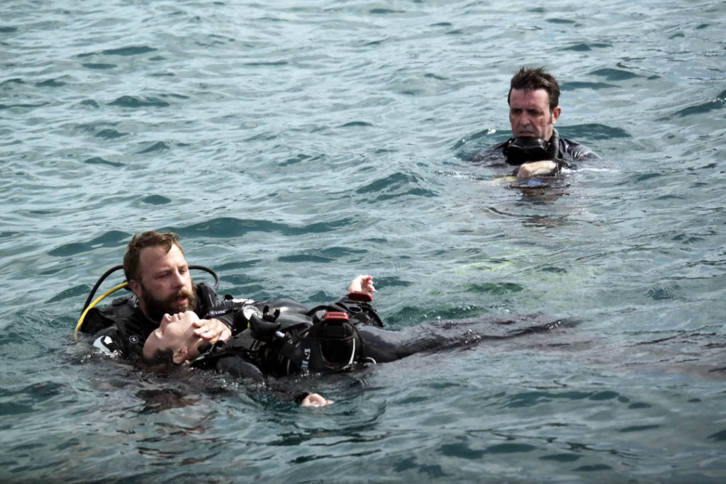 idckohtao.com-rescue-exercises-open-water
