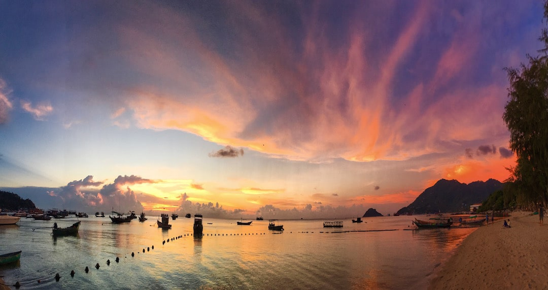 crystal-sunset-koh-tao-on-the-beach