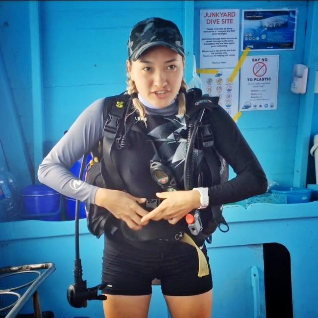 crystaldive.com new padi diving instructor Khaliun