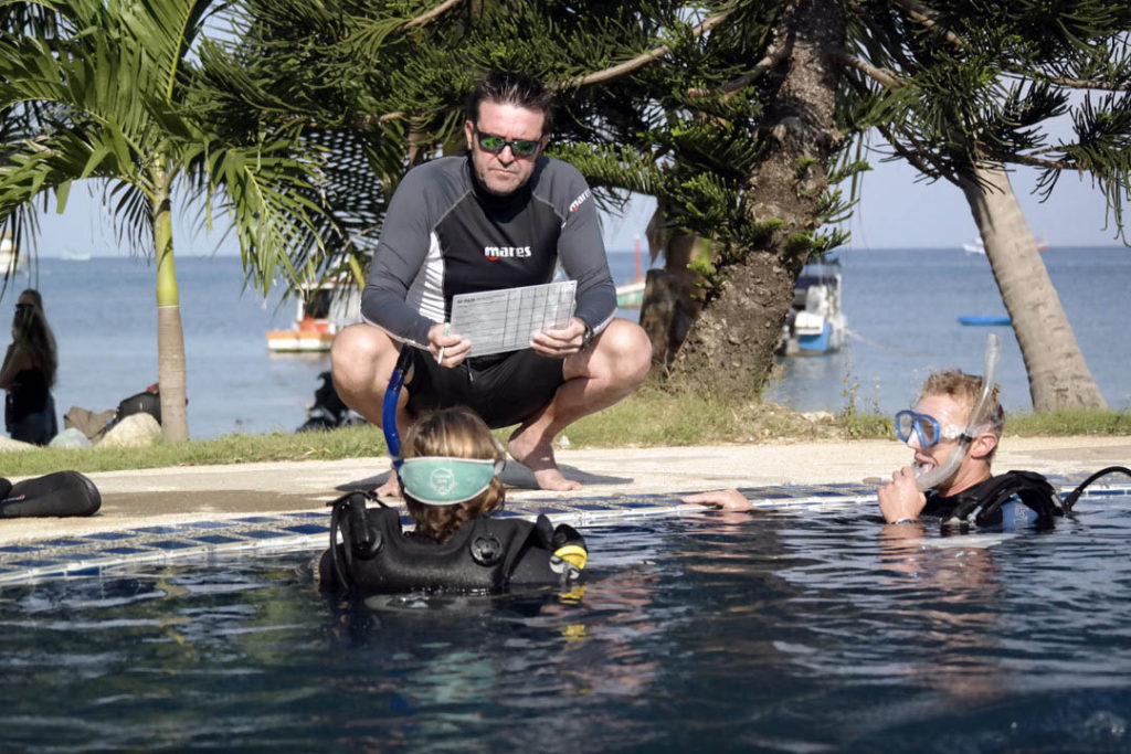 idckohtao.com-crystal-pool-training-scoring-padi-course-director