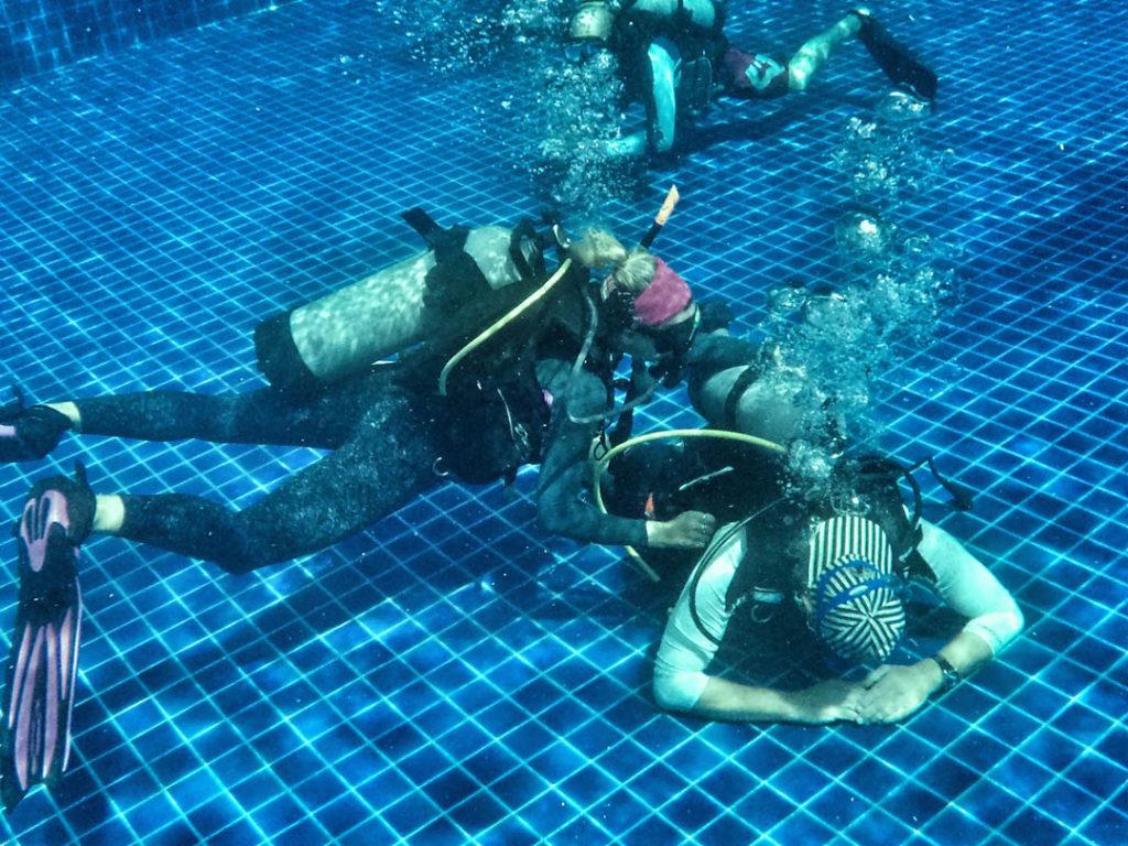 idckohtao.com-padi-master-instructor-rescue-diver-with-matt-bolton-on-kohtao
