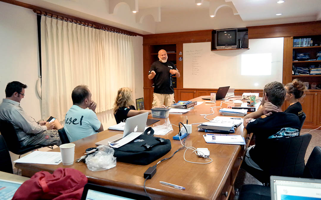 idckohtao.com-padi-underwater-navigation-instructor-specialty-course-crystal-dive
