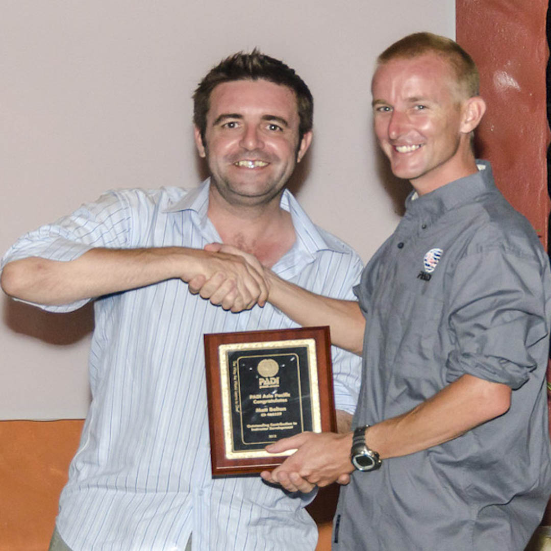 idckohtao.com-matt-bolton-padi-course-director-awards