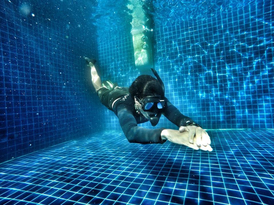 idc-koh-tao-padi-divemaster-course-skin-diving