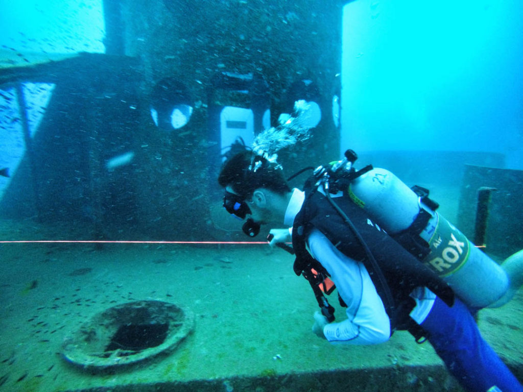 idckohtao.com-padi-wreck-instructor-specialty-diving