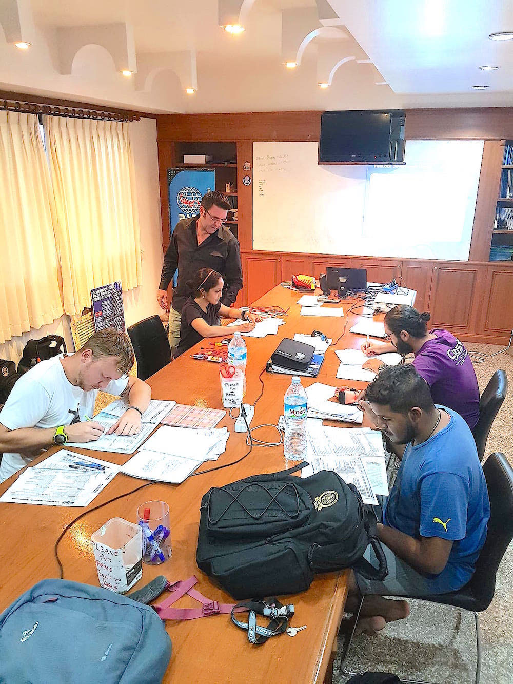 idckohtao.com thailand padi diving instructor courses