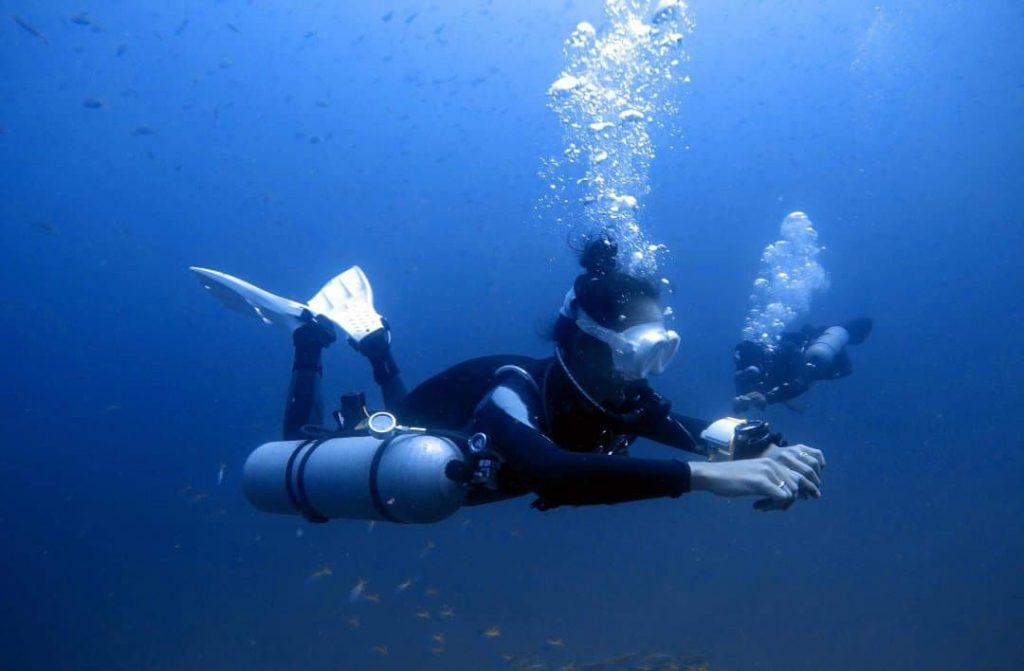 idckohtao.com dive instructor training thailand