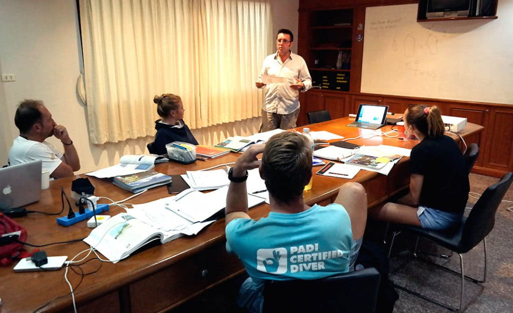 idckohtao.com-padi-instructor-development-course-and-instructor-internships-on-kohtao-crystal