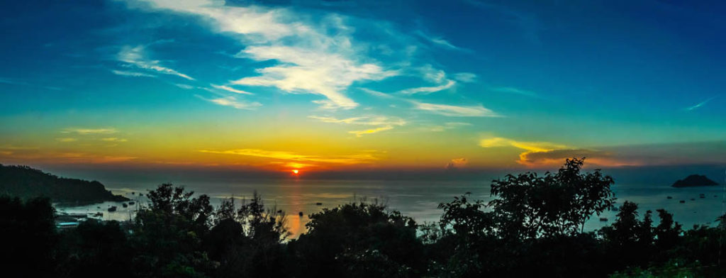 idckohtao.com-padi-instructor-development-course-and-scuba-diving-internship-lifestyle-package-on-kohtao-sunsets