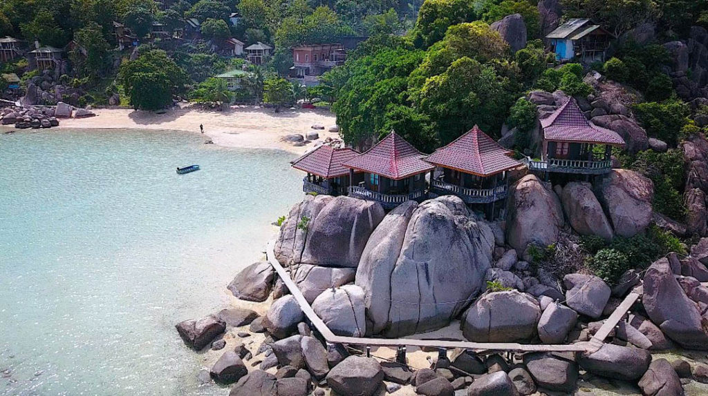 idckohtao.com-padi-instructor-development-course-and-scuba-diving-internship-lifestyle-packages-on-kohtao-beach