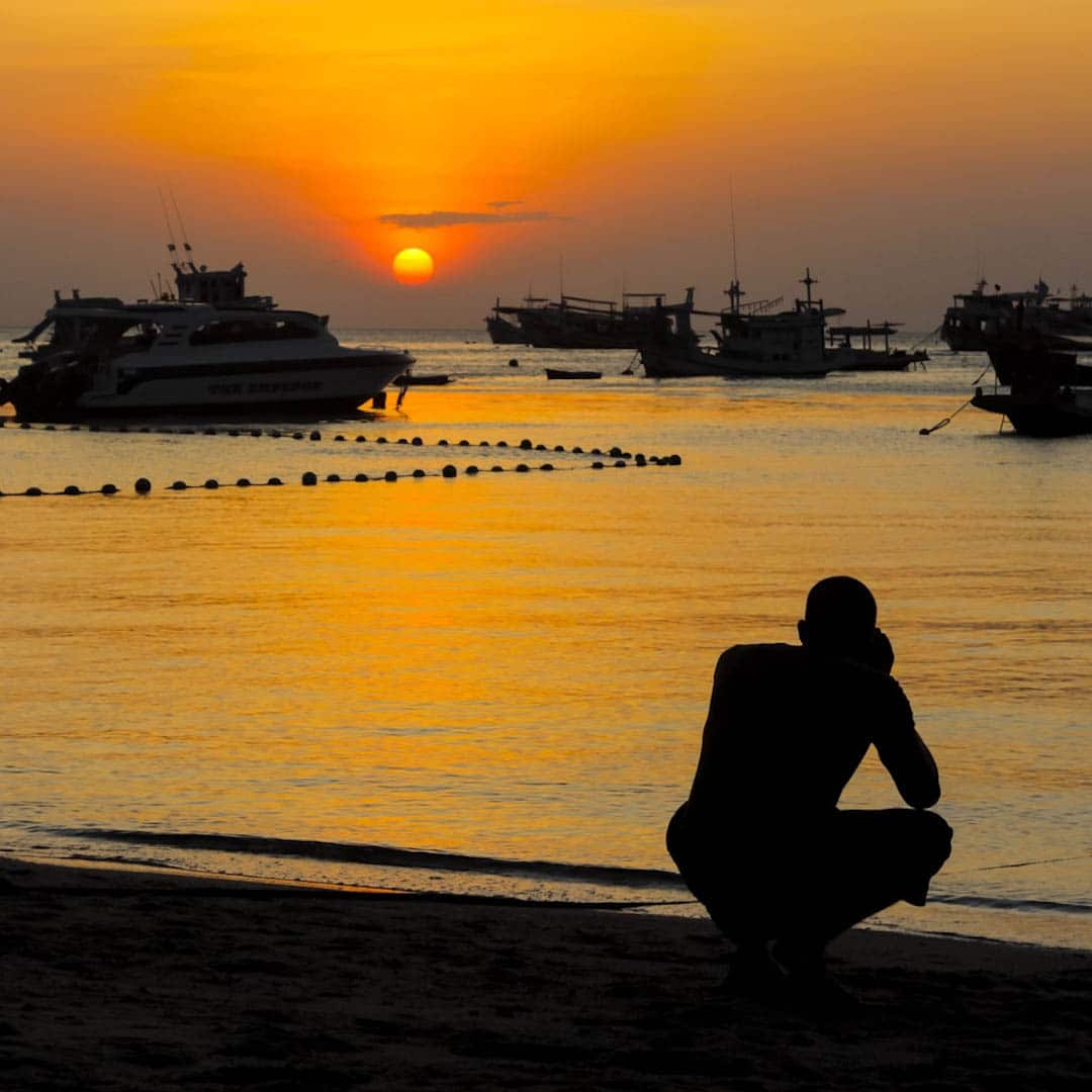 idckohtao.com-padi-instructor-development-course-and-scuba-diving-internship-on-kohtao-sunset