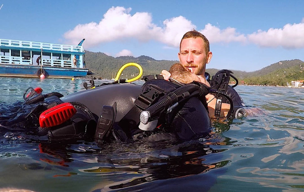 idckohtao.com-padi-instructor-internships-rescue-exercises-kohtao-open-water-skills