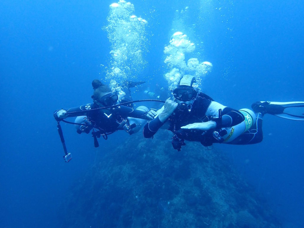 idckohtao.com sidemount course with crystal dive