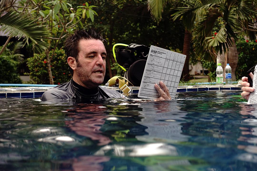 idckohtao.com thaIland -confined-water-padi-course-director-matt-bolton