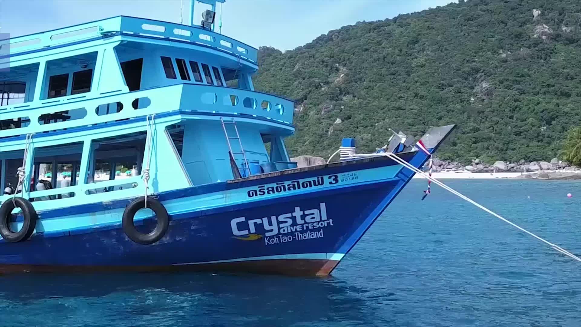 idckohtao.com.com koh-tao padi open water course boats